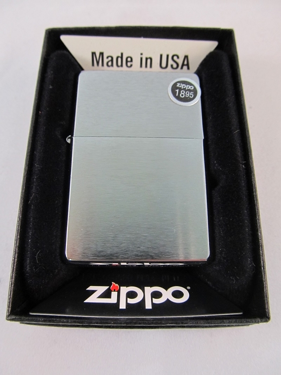 Zippo Brushed Chrome w/ Slashes #230