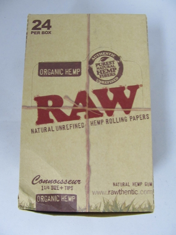Raw Connoisseur Organic 1-1/4 ROLLING PAPERS w/Tip 24Booklets 32Leaves