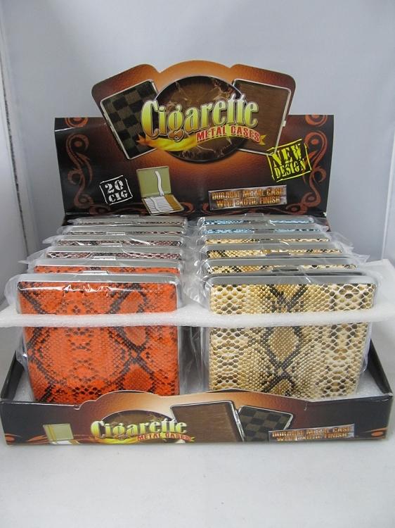 毫米烟盒,配以蛇皮皮革包裹ct